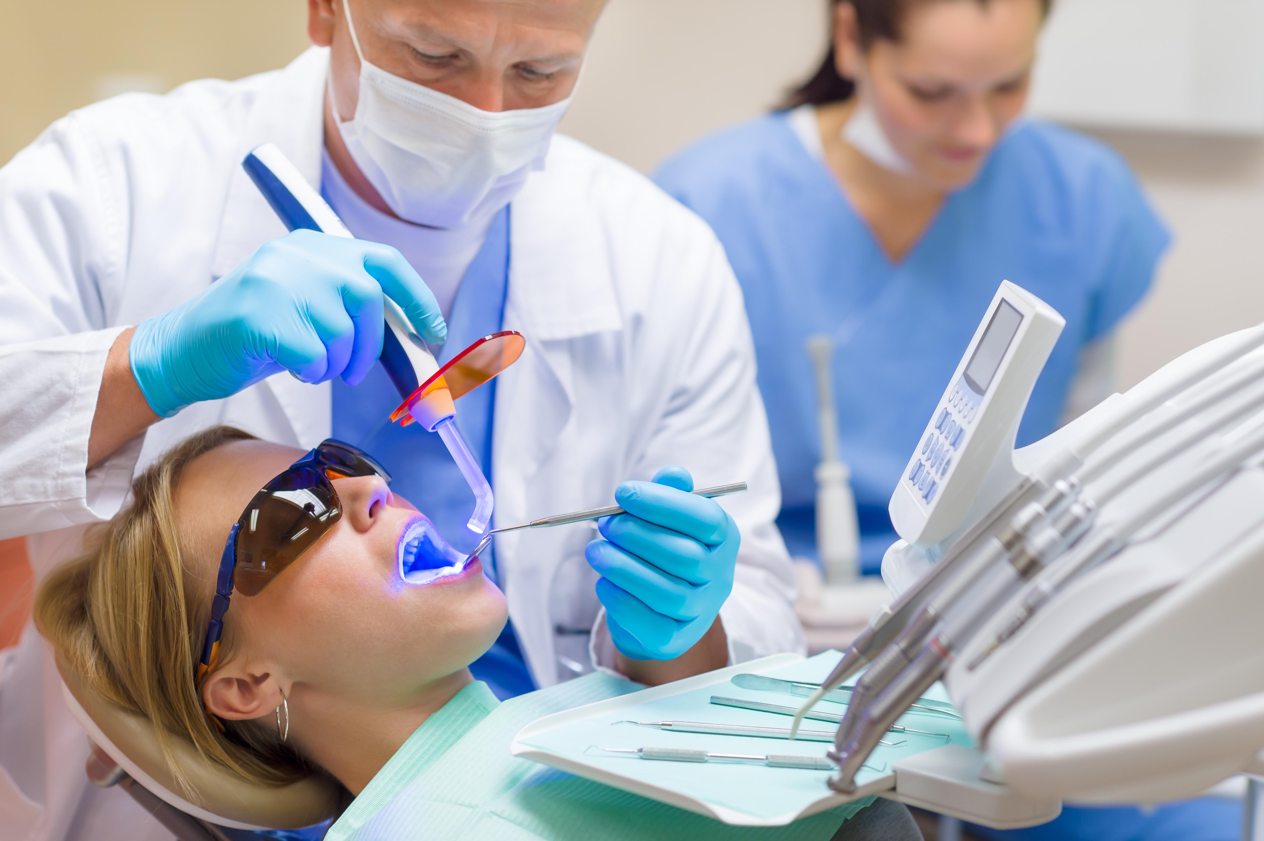 Pourquoi les soins dentaires sont-ils si chers ?